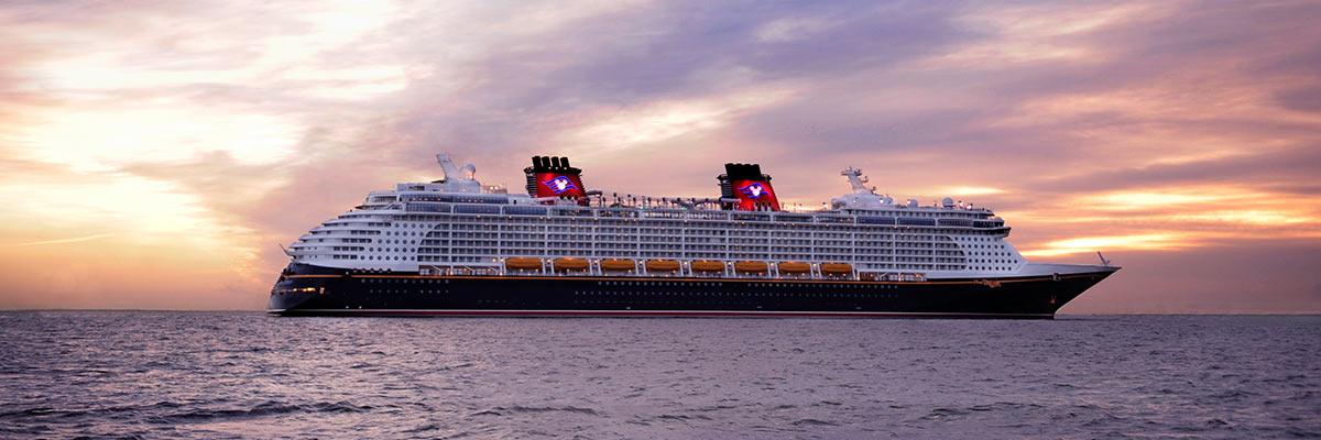 MagicBreaks Disney Dream carousel banner