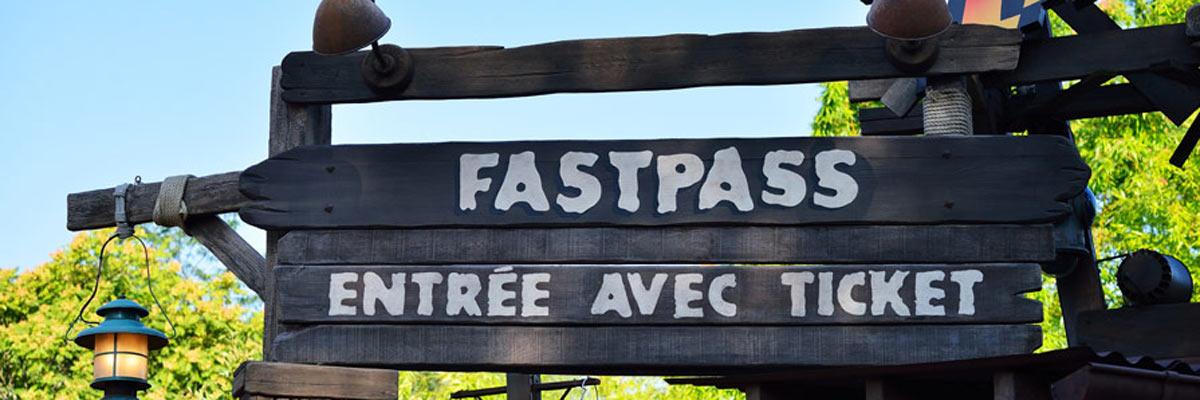 MagicBreaks disneyland fastpass carousel banner