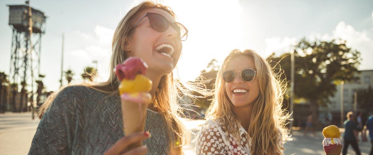 MagicBreaks Girls eating ice cream carousel banner